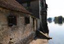 Budynki wchodzące w rzekę